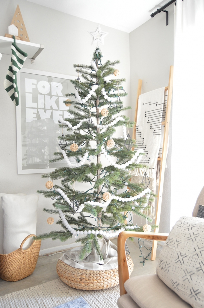 "I continue to love a really neutral tree where it's a mix of white, black and woods. If you want to have a similar tree I've created a ""Get The Look"" for ..."